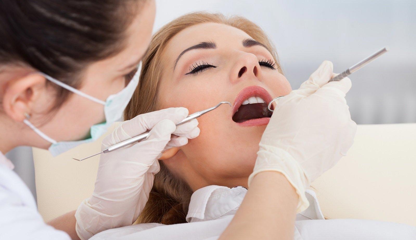 Лечение зубов в Омске
